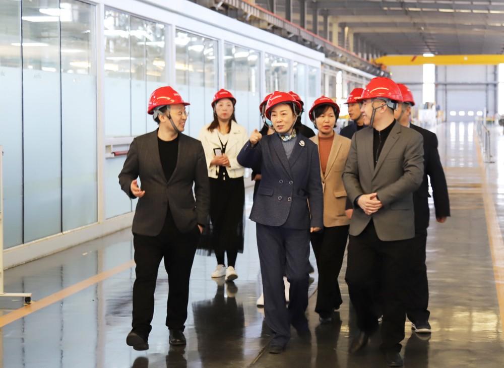 创新驱动 低碳未来 - 省工商联调研组一行调研兰迪机器